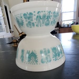 Pyrex Butterprint(amish)  turquoise on white